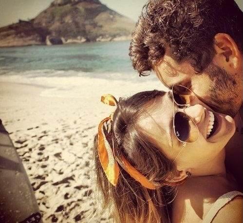 pareja amor feliz